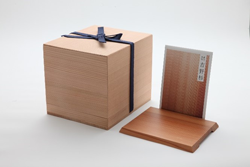 フクロウ鋳物置物・木箱・台座(吉野杉)